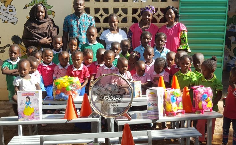 """ODV – """"A Riveder le stelle…"""" In Mali – Commune Rurale de Kalabankoro -fornisce le attrezzature in favore di una scuola materna """"LaRose"""""""